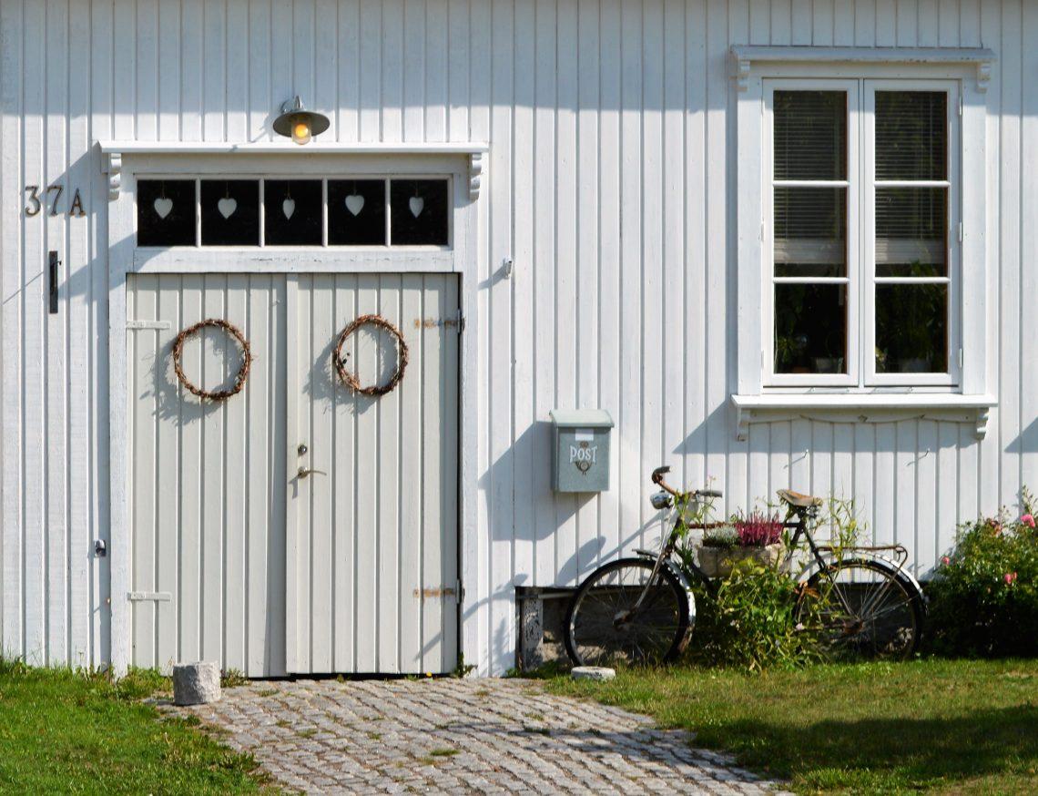 Foto 10 Vaterland Gammelbolighus med sykkelt utenfor