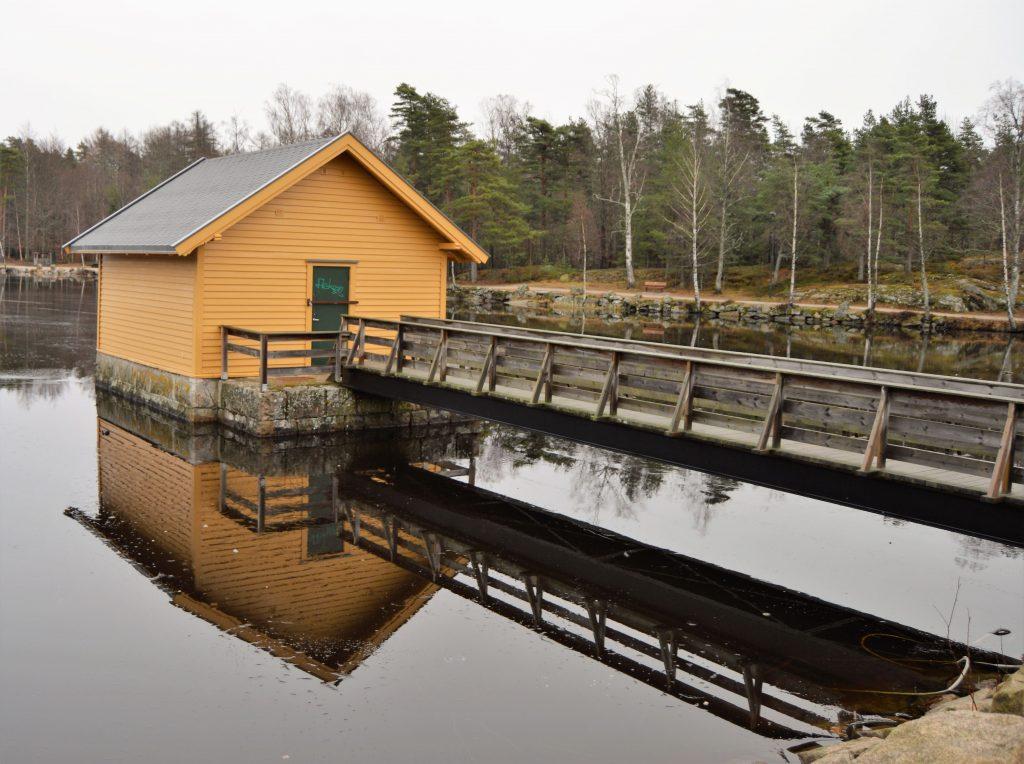 Kortreist tur til bjørneløypa i Fredrikstadmarka - Pumpehuset ved 2. bjørndalsdam