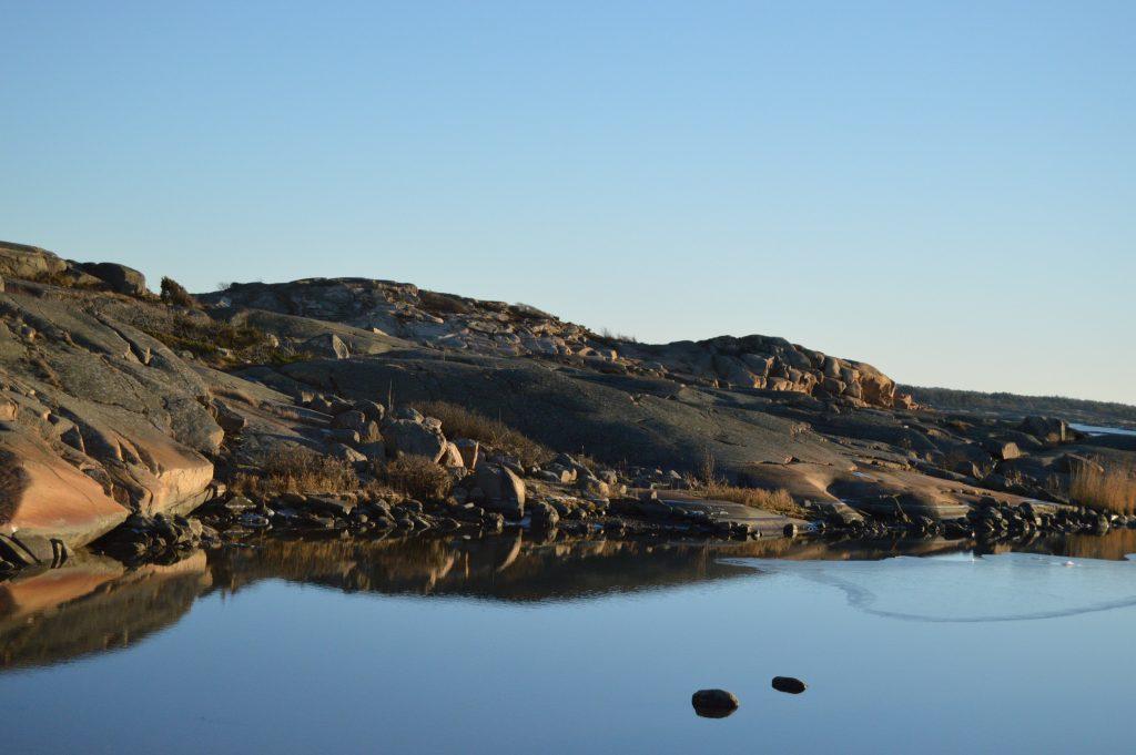 Glufsa på Kråkerøy – et navn som trenger forklaring. Holmer og sjø. Urbantoglandlig