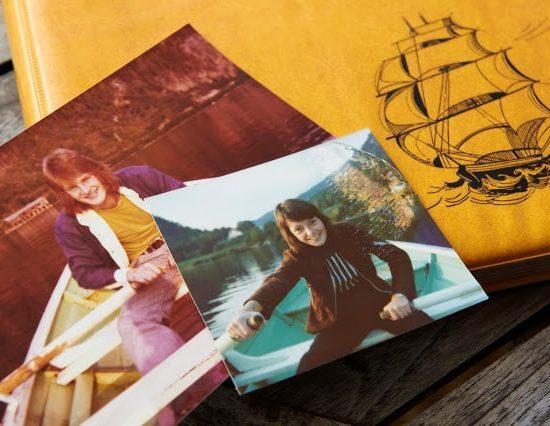 Tor og meg i råbåt på Kvitsundvannet i 1974. Gammel kjærlighet ruster ikke. Drøbak.