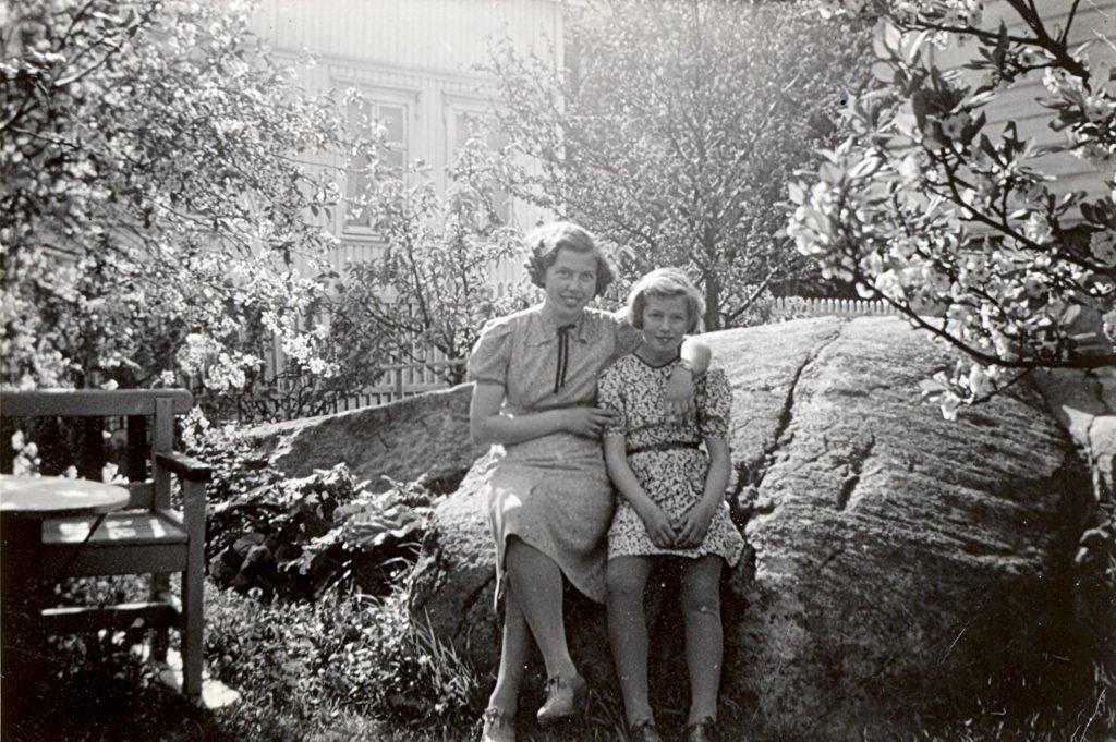 Elisabeth og Hjørdis i Storhaugveien 14, Kråkerøy