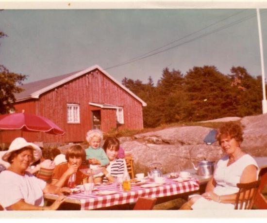 Lykken var å ha en farmor som kokke på Solhaug feriekoloni - her er tjukkeste slekten min: Ellen Svendsen, Tommy Andersen, Gro Anet Holme Brastad, Mette Gry Larsen, Gerda Larsen på Solhaug feriekoloni