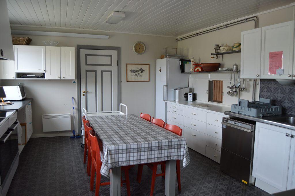 Lykken var å ha en farmor som kokke på Solhaug feriekoloni - Kjøkkenet på Solhaug feriekoloni