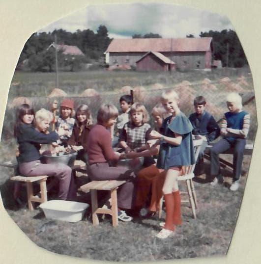 Lykken var å ha en farmor som kokke på Solhaug feriekoloni - Foto 2: Barn på Solhaug feriekoloni på 1970-tallet
