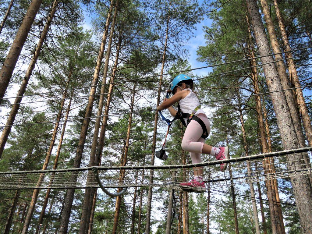 Klatreparken i Bø - snakk om en frydefull opplevelse - Høyt og Lavt. Foto 4