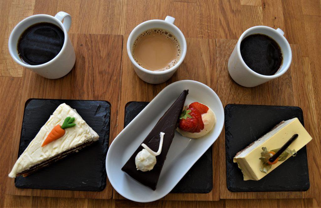En duft av et kulinarisk Frankrike på Kafé Øks, Fredrikstad - Lekre og smakfulle kaker