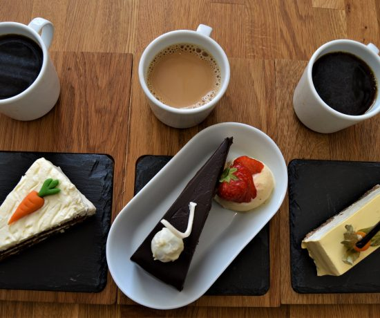 Lekre og smakfulle kaker på kafé Øks, Fredrikstad