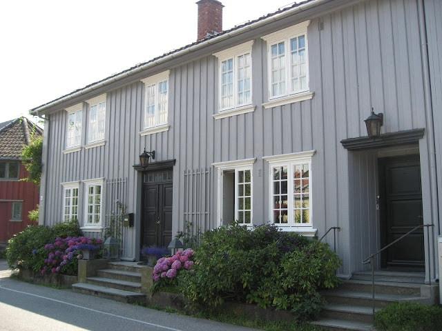 Drøbak - byen med sine pittoreske, gamle hus - Tidligere her hvor Marwell frisør lå, Drøbak