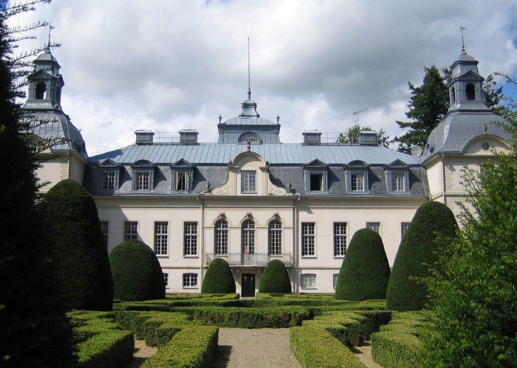 Kronovall Slott i franks barokkstil, Østerlen i Skåne