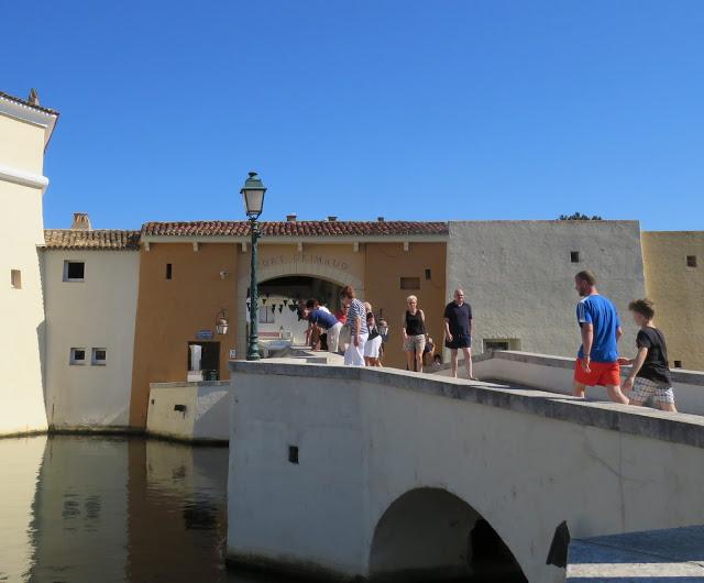 Inngangsporten til Port Grimaud