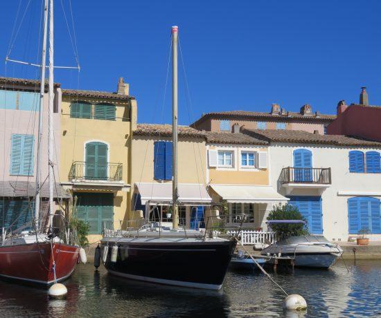 Port Grimaud - en idyllisk perle på den franske riviera - havnebyen langs den franske riviera.
