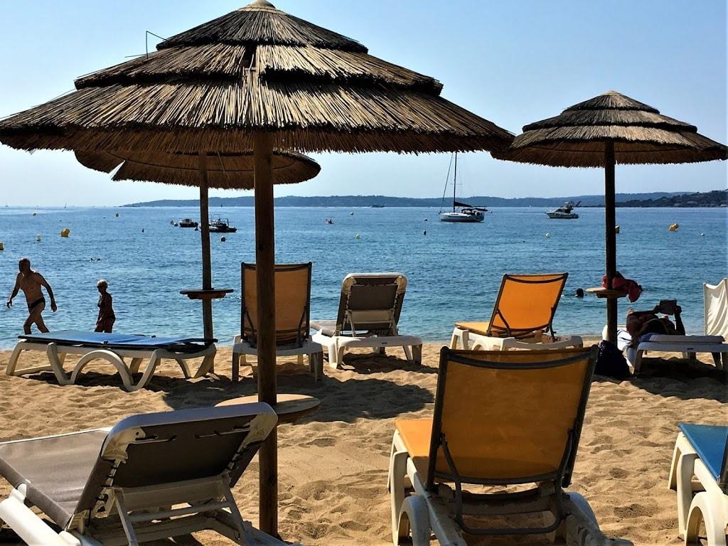 Herlig strandliv i Les Issambres, Frankrike