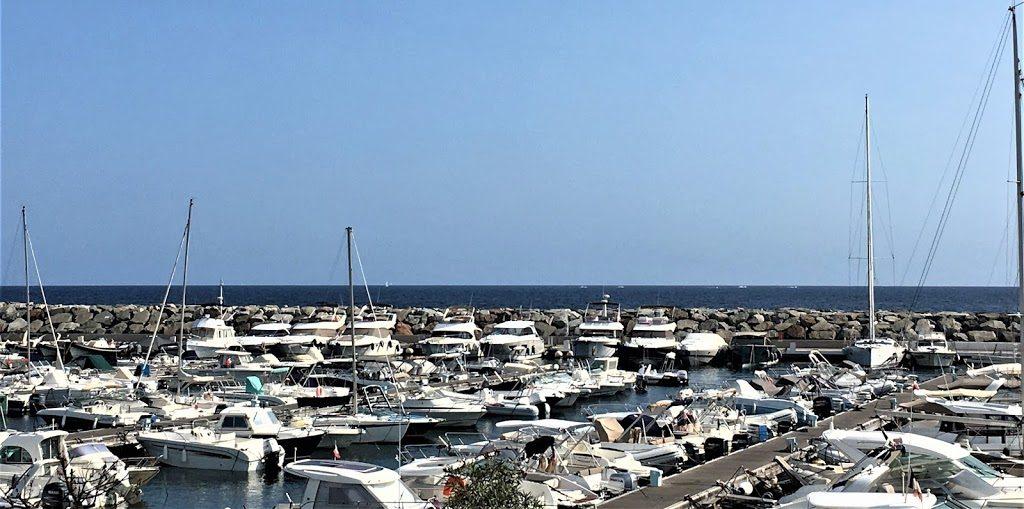 Les Issambres på den franske riviera, badebyen med hvilepuls - Herlig strandliv - Utsikt fra pizzarestaurant