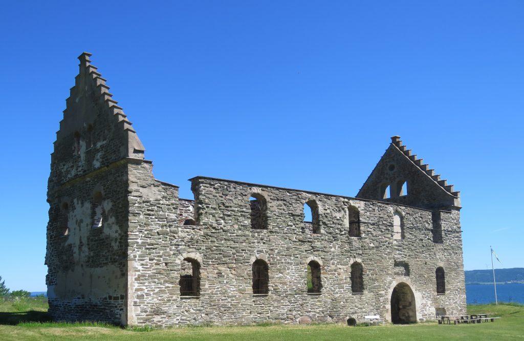 Ruinene fra borgen fra tiden da grevskapet Brahe residerte på Visingsö, Vättern, Småland