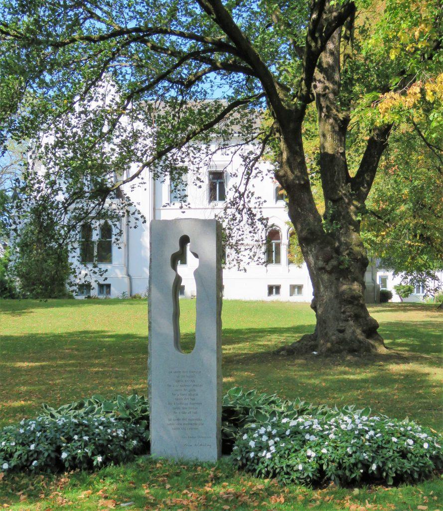 Kunstsafari i Fredrikstad - minnesmerke etter 22.7 .2011