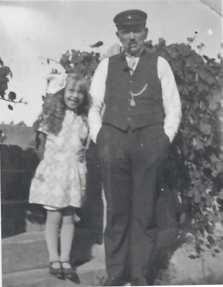Kristoffer Kristoffersen og Elisabeth, ca. 1930 Gina Maries sønn. Svinør-Hammerøy