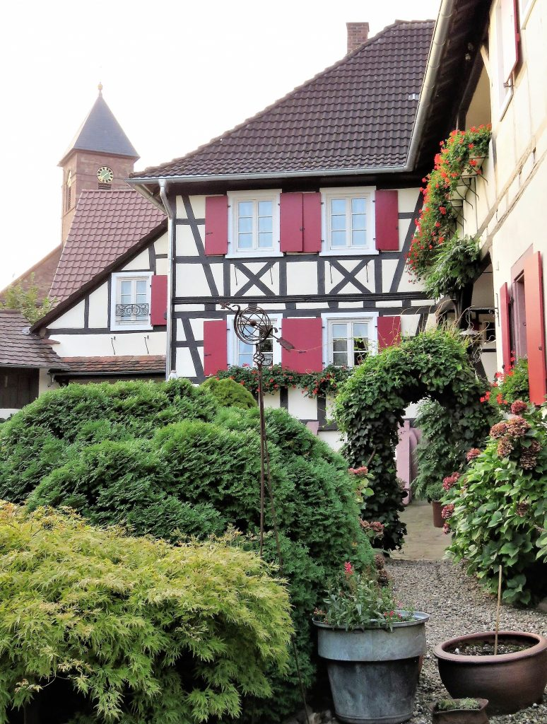 Hotel de Charme, Iffezheim - i hagen. Urbantoglandlig.