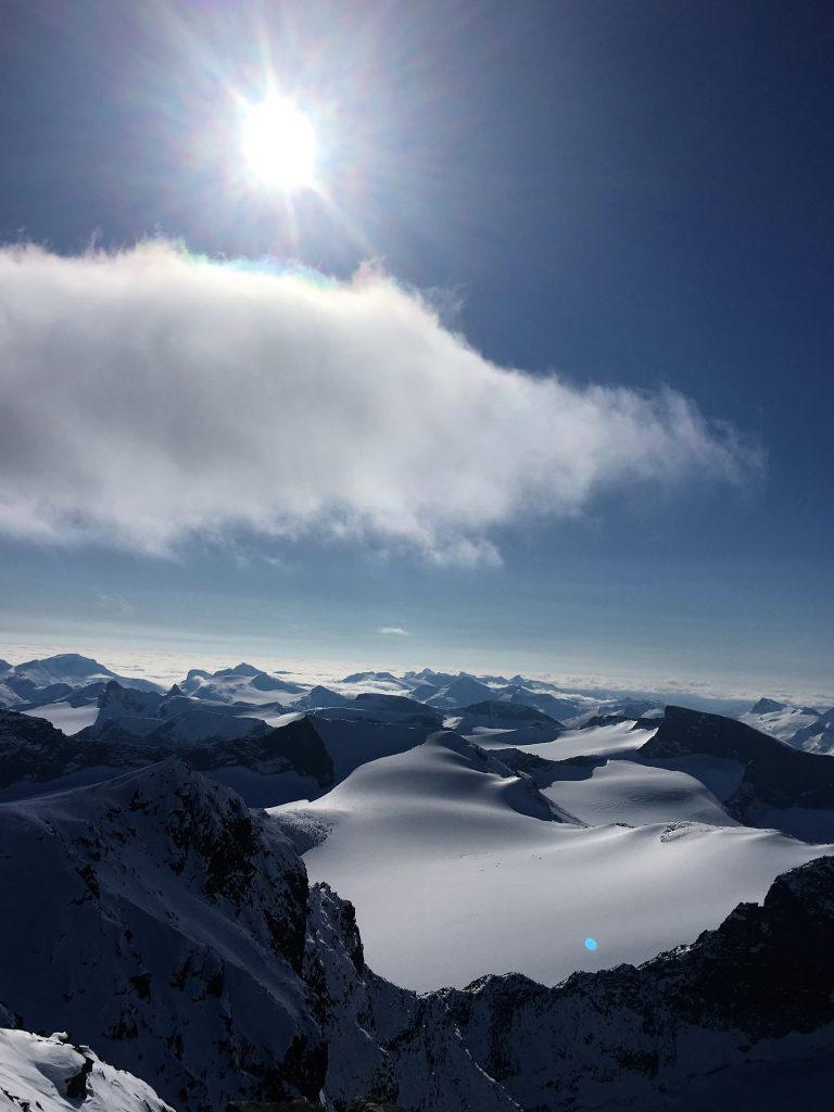 Far/datter-tur til Galdhøpiggen - en solfylt dag på toppturen