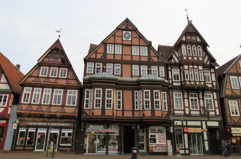 Er Celle i Tyskland et eventyr. En husklynge i Celles livlige gater. Urbantoglandlig