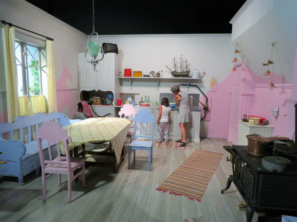 Opplev Filmbyn i Småland med Astrid Lindgrens verden. I Pippis kjøkken