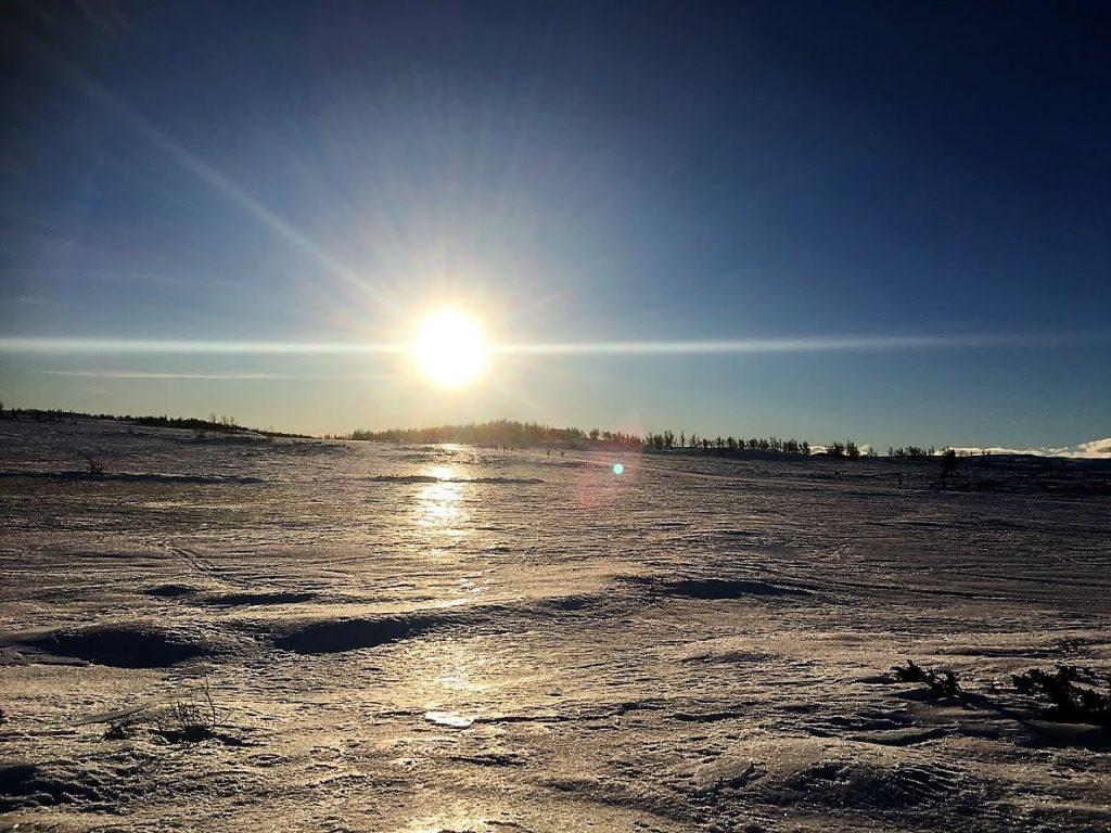 Supergli på felleski innover Garlislettene - Sol fra skyfri himmel, blir ikke bedre enn det