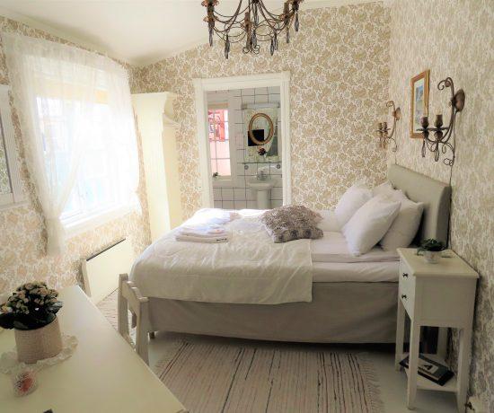 Vinn en overnatting for to i Gamlebyen hotell, Fredrikstad - fra et av de romantiske soverommene