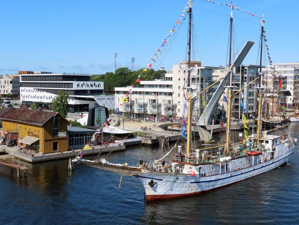 En seilskutes ankomst til The Tall Ships Races i Fredrikstad IMG_2525 (2)