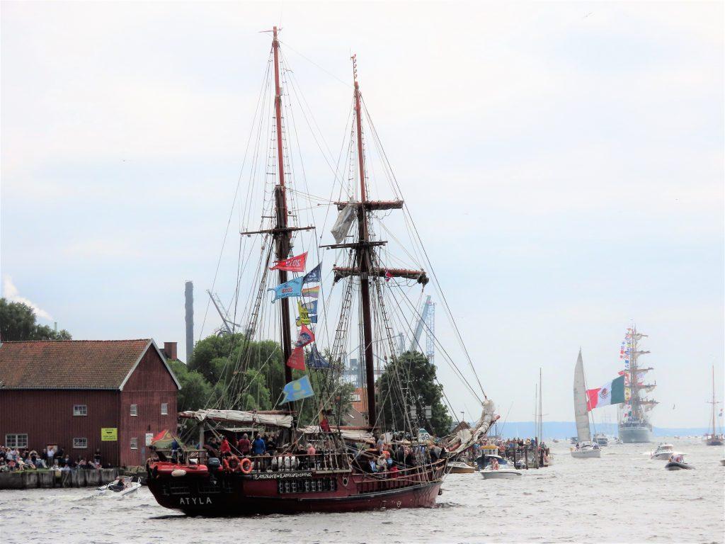 Et flott skue fra Isegran når seilskutene forlot Fredrikstad for denne gang IMG_2756 (2)
