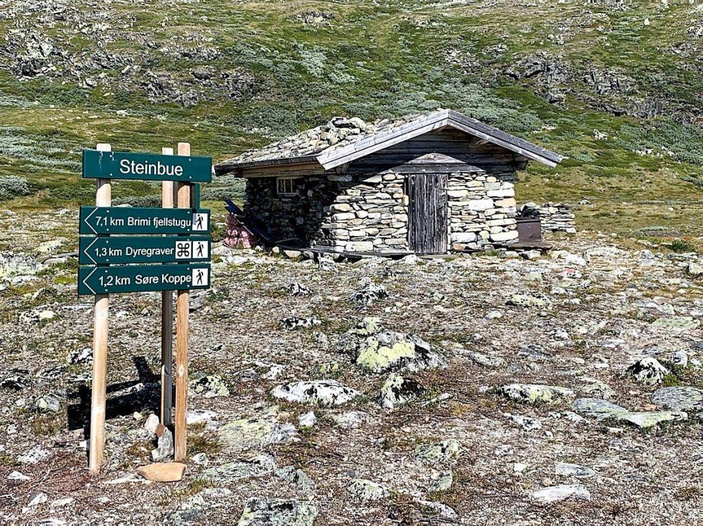 Steinbua i fjella overfor Brimi seter IMG_2092 (2)-min