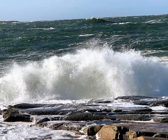 Med Vesterøy på Hvaler i ryggen, har du Amerika forut - Bølgen lo inn mot landIMG_3587 (2)