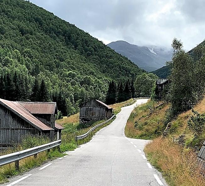 Over Aurlandsfjellet – på en nasjonal turistvei Smale veier IMG_2440 (2)