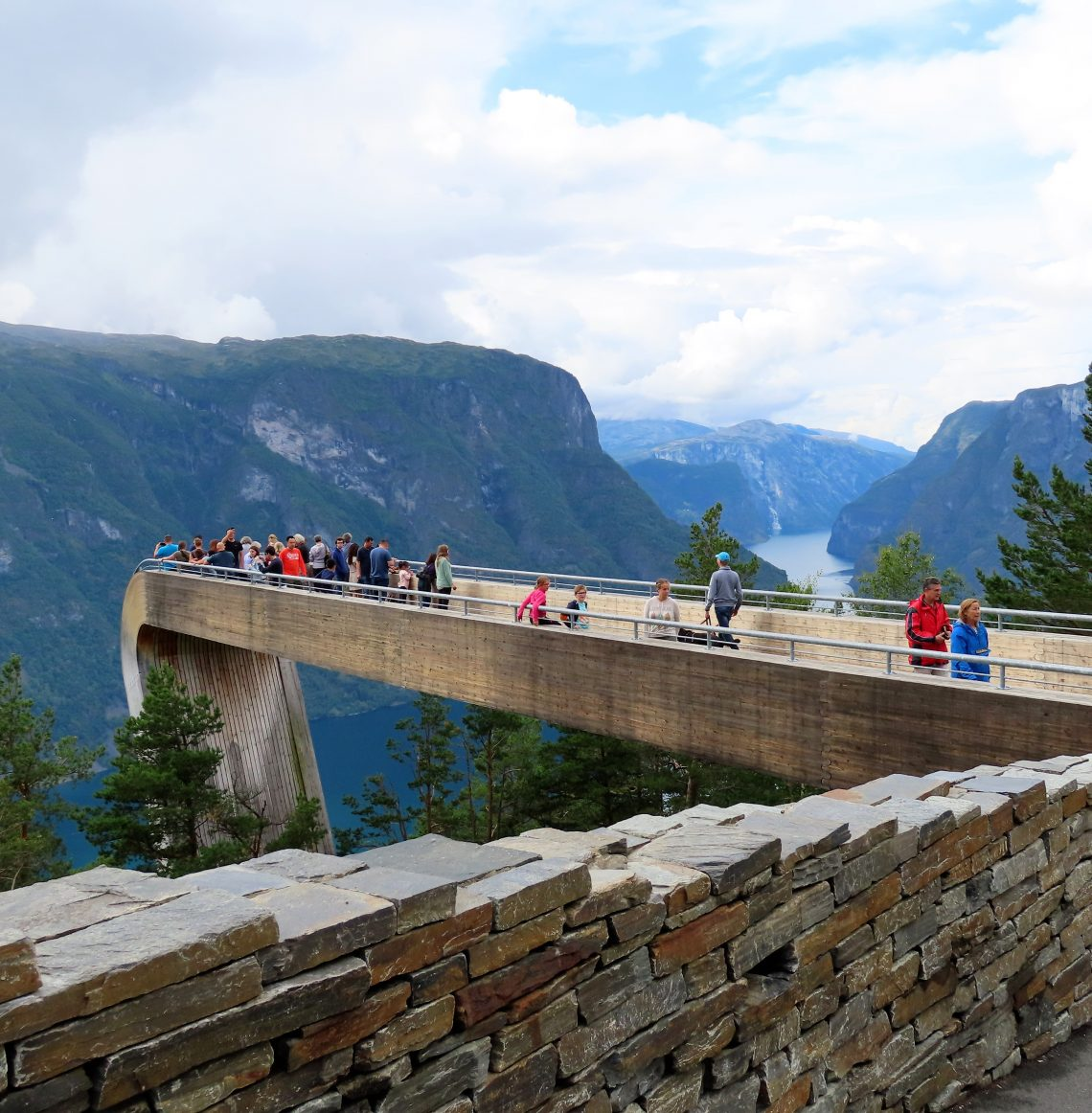 Over Aurlandsfjellet - på en nasjonal turistvei - ved Stegastein IMG_3187 (2)