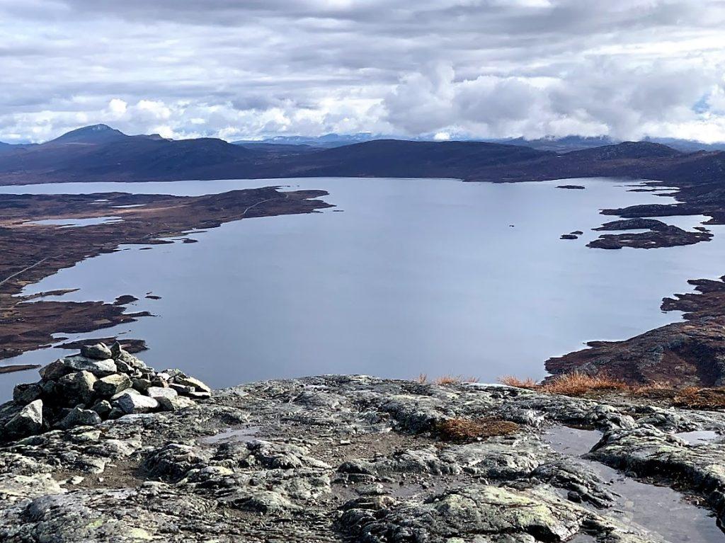 Utsikt fra Synshorn mot Vinstervann og Skaget bak til venstre IMG_3998 (2)
