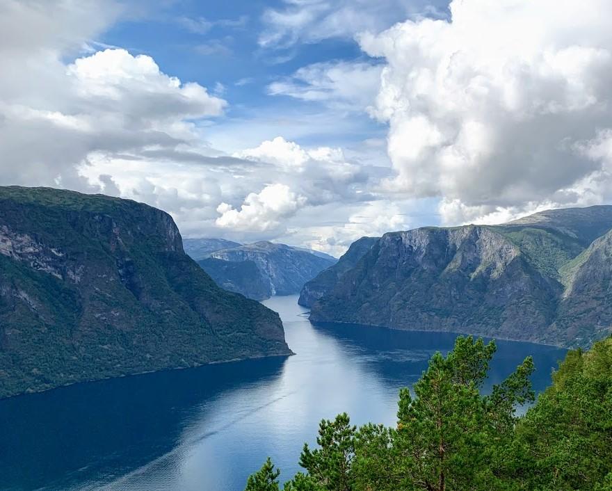 Utsikten fra Steigastein over Aurlandsfjorden IMG_2459 (2)