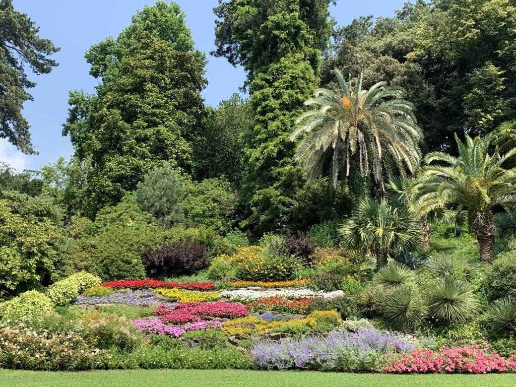 Den frodige og fargerike hagen rundt Villa Carlotta i Tremezzo ved Comosjøen