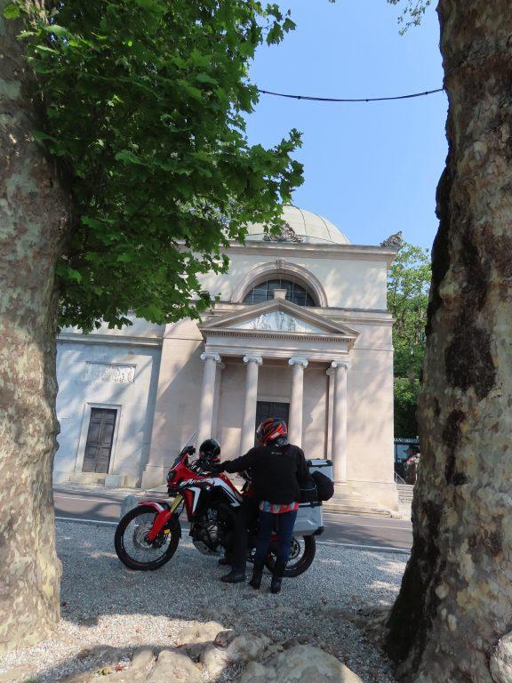 Inngangspartiet ved Villa Carlotta i Tremezzo