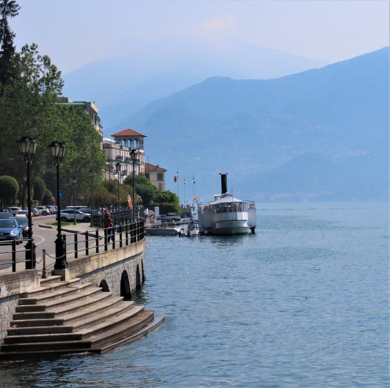 Tremezzo sett fra sjøesiden - Comosjøen