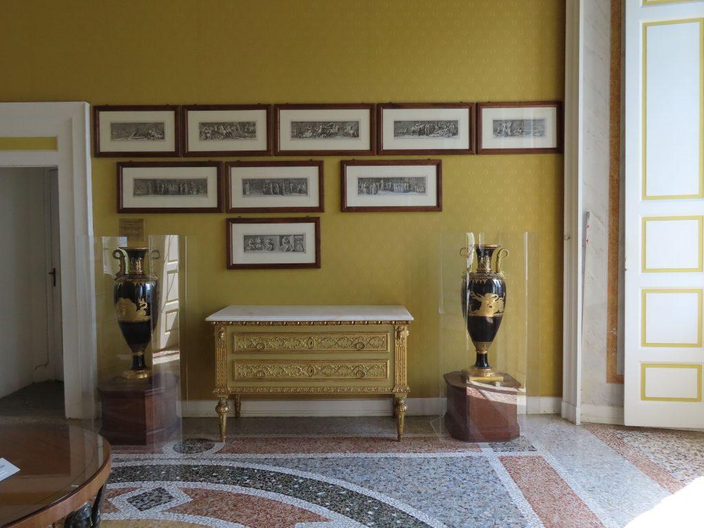 Vakre møbler i Villa Carlotta