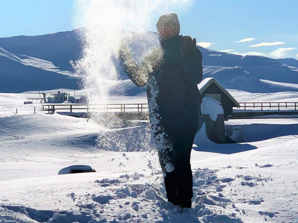 Som barn flest kastet vi snø i luften på Bygdin