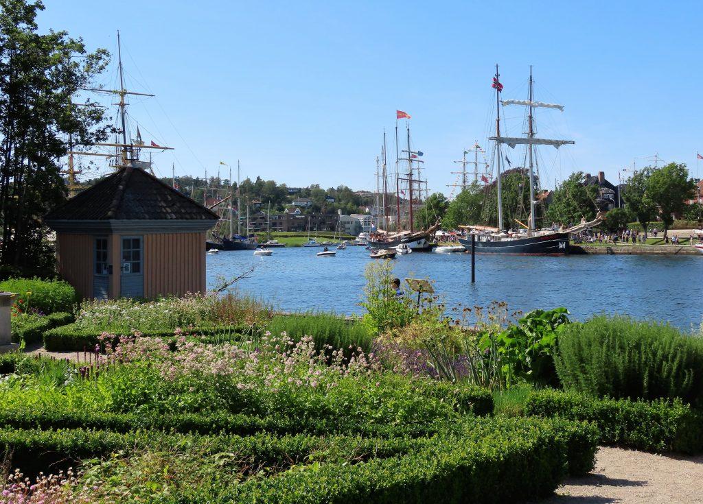 Attraksjoner i Fredrikstad - fra Isegran kan du skue utover Glomma som deler seg i 2 elveløp