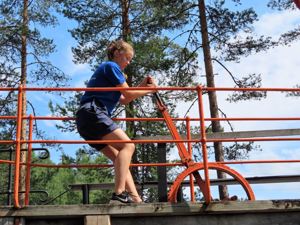 Skoleelever har sommerjobb i Telemarkskanalen