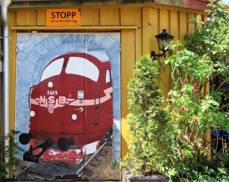 Tips til en sommerdag i sjarmerende Gamlebyen - Nordens største moddeljernbanesenter