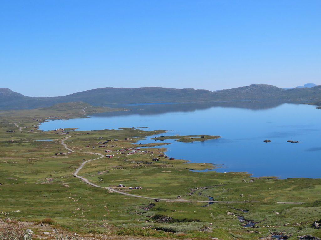 5 opplevelser på Beitostølen i løpet av en langweekend - Utsikt fra Rjupa utover Vinstervann