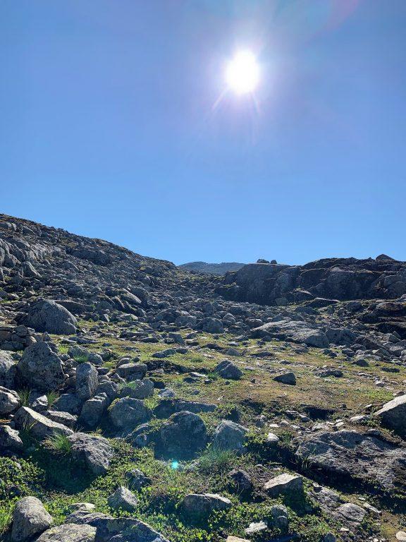Bitihorn 1607 MOH – porten til Jotunheimen Det site stykket er steinete