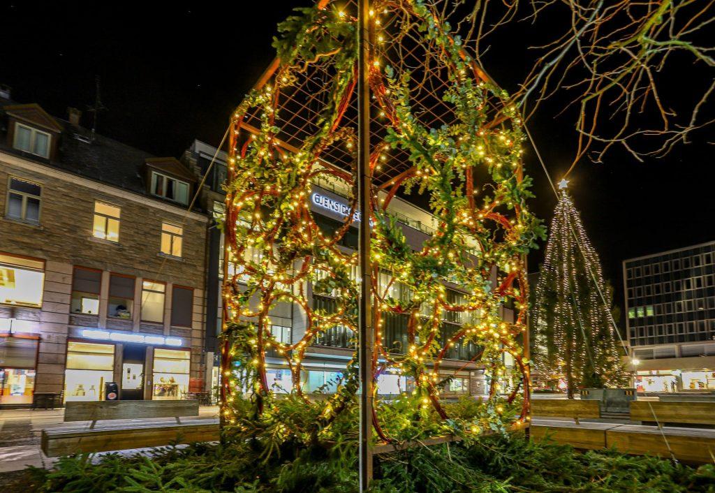 Foto Harry Johansson (Fredrikstad Blad) Juleinnstallasjon på Stortorvet