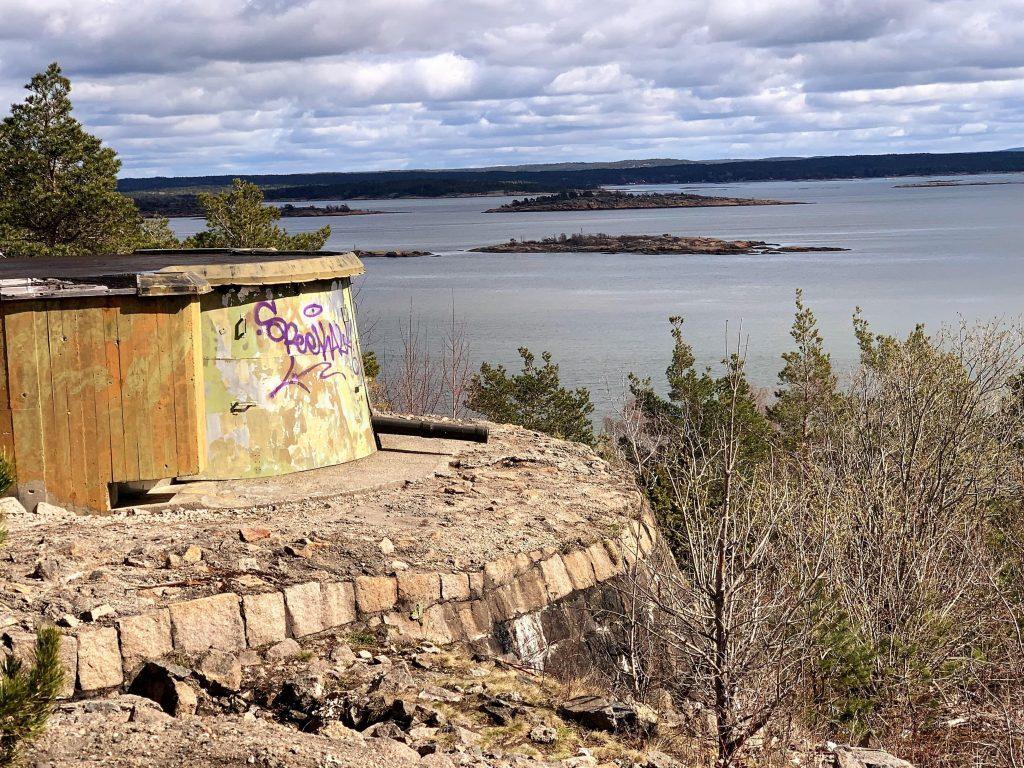 Fin tur til historiske Skams klove og Kjøkøy fort - Fortet ut mot Østerelva