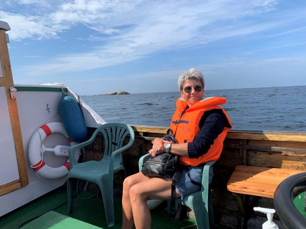 På sjøvei til Ryvingen fyr i båten Odin